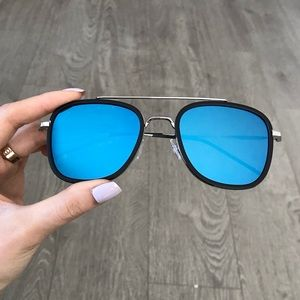 Accessories - Blue Aviator Square Mirrored Sunglasses